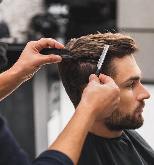 Coupe homme effectuée par votre coiffeur à Roncq