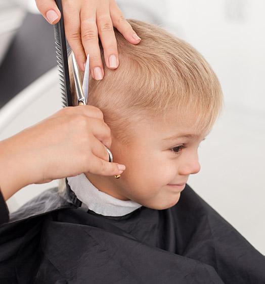 Coupe enfant faite par votre coiffeur près de Linselles