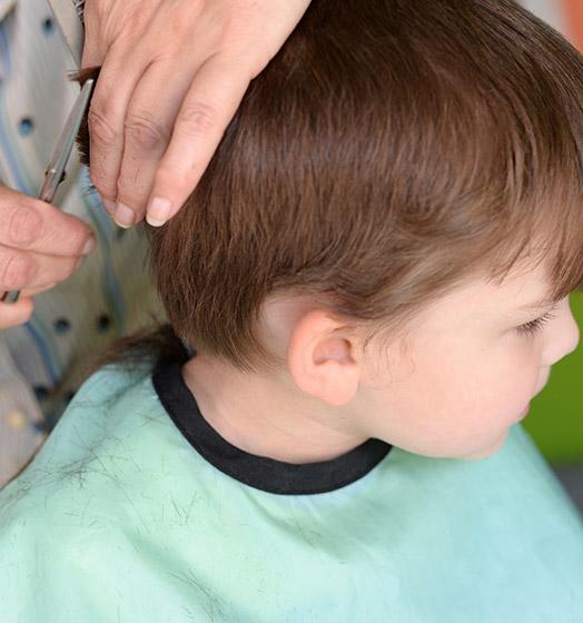 Coupe enfant réalisée par votre coiffeur à Roncq